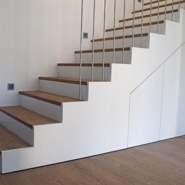 treppen verkleidung in wei tischlerei putzer brixen. Black Bedroom Furniture Sets. Home Design Ideas