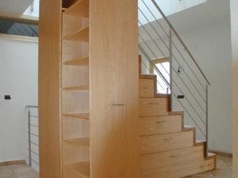Treppe mit Möbel