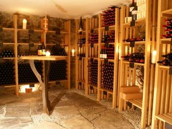 Weinkeller Holz massiv