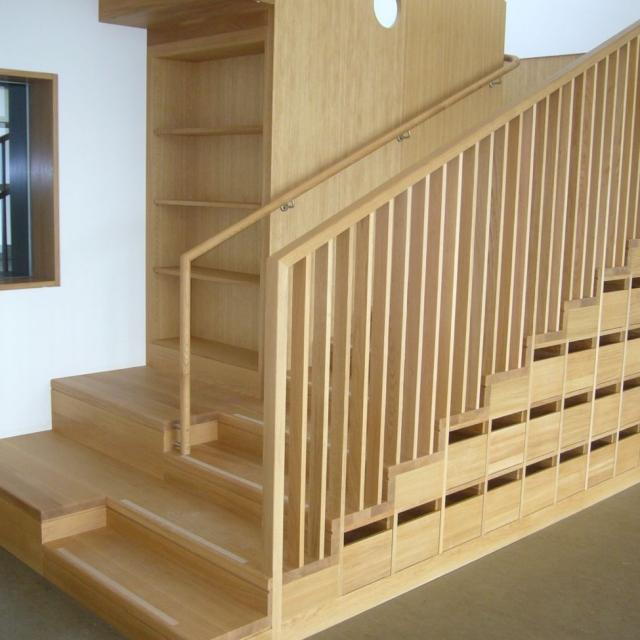 treppe kindergarten pfalzen tischlerei putzer brixen. Black Bedroom Furniture Sets. Home Design Ideas
