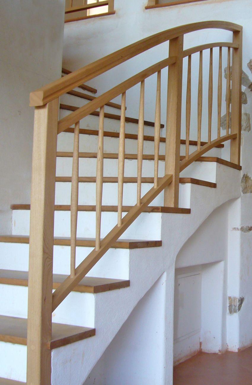Treppenstufen Geländer Holz massiv